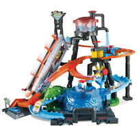 Hot Wheels City Gator Car Wash  Play Set with Diecast and Mini Toy Car