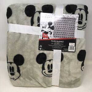 Jay Franco & Sons Disney Mickey Mouse Velvet Soft Plush Blanket