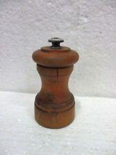 Ancien moulin à poivre cylindrique PEUGEOT FRANCE