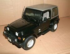 1/18 Scale Jeep Wrangler Sahara 4x4 Diecast Model Vehicle - Maisto 31662 31662k