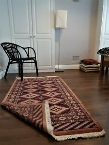 Real Hand knotted Handmade Style Woolen and Silk rugs / Carpet