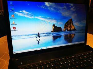 Lenovo Laptop  mit Intel Core i3 Prozessor im 17,3 Zoll Format