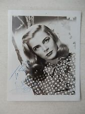 "Lizabeth Scott Autographed 3 1/2"" X 4 1/2"" Photograph from Estate"