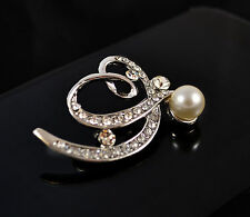 SILVER TONE HEART BOW AND CREAM FAUX PEARL DIAMANTE/RHINESTONE CRYSTAL BROOCH