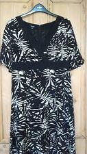 HOBBS SIZE 12 100% PURE SILK DRESS * Leaf/Fern print * work/wedding/occasion