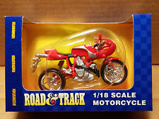 MAISTO Road & Track - 1/18 Scale Motorcycle Red Ducati MH900E replica