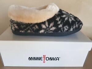 Minnetonka Women's Steffie  Berber Slipper in Black Snowflake Size Medium New