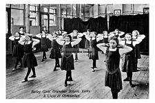 pt5836 - Batley Girls Grammar School Gymnastics Class , Yorkshire - photo 6x4
