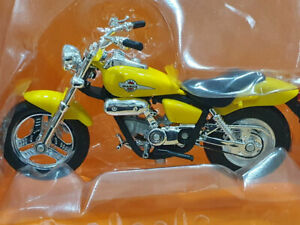 Honda Magna CBR1 100XX escala 1/18 Collector´s Edition