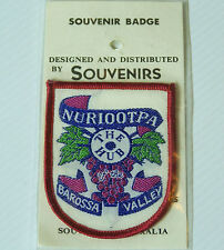 VINTAGE NURIOOTPA BAROSSA VALLEY EMBROIDERED SOUVENIR PATCH WOVEN CLOTH BADGE