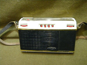 Radio transistor vintage Optalix Turny 1963 retro car camping sixties TSF