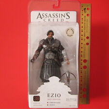 TOYS R US EXCLUSIVE NECA ASSASSIN'S CREED Onyx Color, Unhooded EZIO Figure - NEW