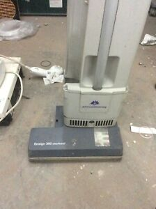 Industrial Vacuum Cleaner Ensign 360 contract by Johnson Diversey USM343