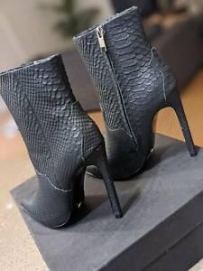 Tony Bianco FINLAY style Heel Boots, SIZE AU8