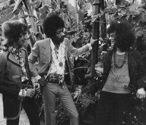 "Jimi Hendrix UNSIGNED 6"" x 4"" photograph - American rock guitarist - 2901L"