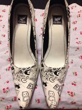 EUC Retro Rockabilly Shiekh White Noir Comic Book Print Stiletto Heels 11