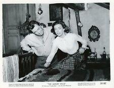 ROBERT MITCHUM ELISABETH MULLER THE ANGRY HILLS 1959 VINTAGE PHOTO ARGENTIQUE 9