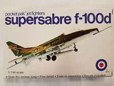 Entex 8461S:69 Super Sabre F-100D 1:144 Neu, Bauteile versiegelt