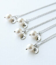 Bridemaid personalizzata swarovski perla, iniziale FOGLIA un pendente e collana