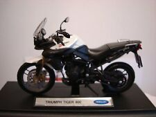 Triumph Tiger 800 Crystal Weiss  Welly 1:18