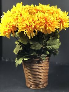 """Thanksgiving Fall Basket Silk Flowers Mums Yellow Green Leaves 18 1/2"""" Tall NEW"""