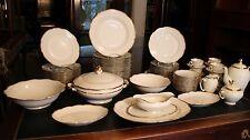 Grand service de table à filet or sur fond blanc porcelaine de Limoges