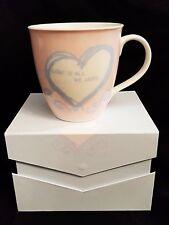 Jumbo Tasse Love is / rosa Kaffeebecher in Geschenkverpackung / Porzellan Liebe
