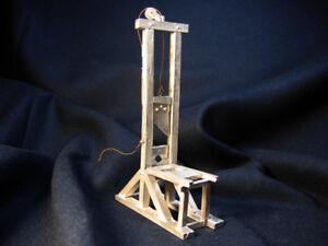 Tin miniatures, 54mm, Guillotine Model, metal kit. Sineus