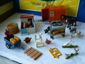 VINTAGE BRITAINS SMALL LOT OF VARIOUS FARMING ACCESSORIES NICE LOT