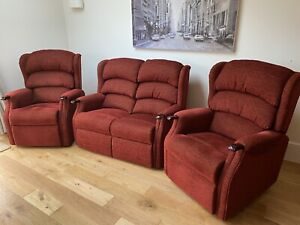 HSL Aysgarth Pair Of Riser Recliner Chairs And Two Seater Sofa