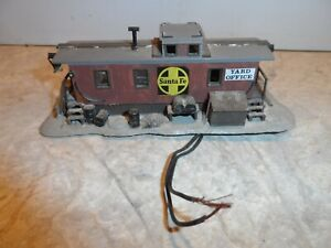 HO SCALE YARD OFFICE CABOOSE SANTA FE  LIGHTED WEATHERED AND SOME DETAILS