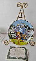 VTG WALT DISNEY WORLD BRADFORD EXCHANGE PLATE IT'S A SMALL WORLD