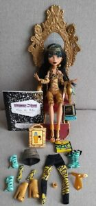 Rare Monster High Doll Cleo De Nile second Wave And Deluxe Fashion Pack Bundle