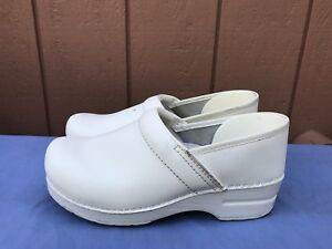 Dansko Professional White Leather Nursing Women's Size 40 US 9.5 - 10 Clogs A5