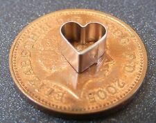 1 x Small Heart Leaf Clay Cutter Dolls House Miniature Sugarcraft Accessory Sm