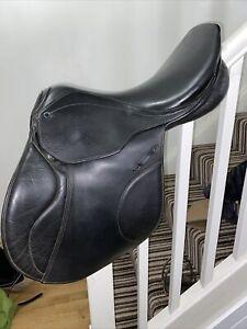 17.5 Beautiful Black Leather Stubben Genesis CS Delux Jumping Saddle Medium Wide