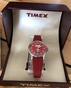 Vintage 80s Timex Snoopy Peanuts Red Childs Watch
