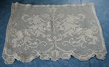 7844 Beautiful  hand made Vintage filet crochet doily, Rampant lions design
