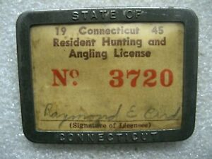 /CONNECTICUT RESIDENT HUNTING LICENSE METAL BADGE,1945