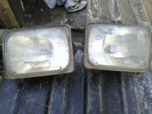 Ford F250 F350 H6054 2B1 Headlights (pair) fit many different vehicles car truck
