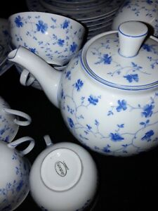 35 tlg. ARZBERG Kaffee- Tee Service blaublüten, Strohblumen blau- weiß 253