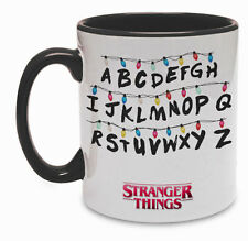 Tazza colorata Stranger Things inspired, serie tv, lettere illuminate
