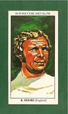 BOBBY MOORE  ENGLANDS 1966 WORLD CUP WINNING CAPTAIN SUN WHU SOCCERCARDS 298