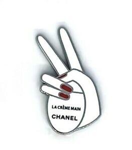 CHANEL pin brooch badge small la creme main NEW VIP GIFT