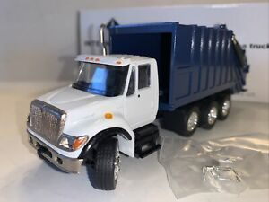CONRAD NZG INTERNATIONAL 7000 GARBAGE TRUCK 1/50 SCALE  BLUE & WHITE