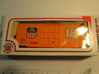 Bachmann UP 518125 Union Pacific Railroad High Cube Boxcar - HO Scale. UNTESTED