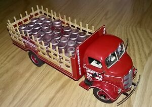 1938 Budweiser Delivery Truck by Danbury Mint, 1:24 die-cast model