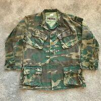 Vietnam 1969 Jungle Camouflage Slant Pocket Jacket US 82nd Airborne Div Med Reg
