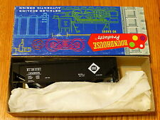 Roundhouse Ho #1611 (Rd #38968) Erie 3-Bay Ribbed Side Hopper Kit