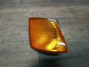 OEM BMW E32 750il Driver Left Park Lamp Lamp Turn Signal Amber Lens 1378821